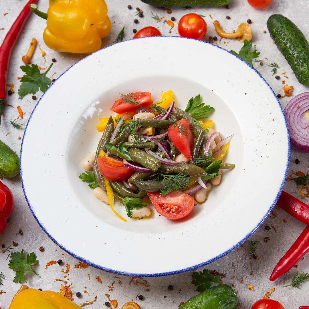 Салат из белой и зелёной фасоли