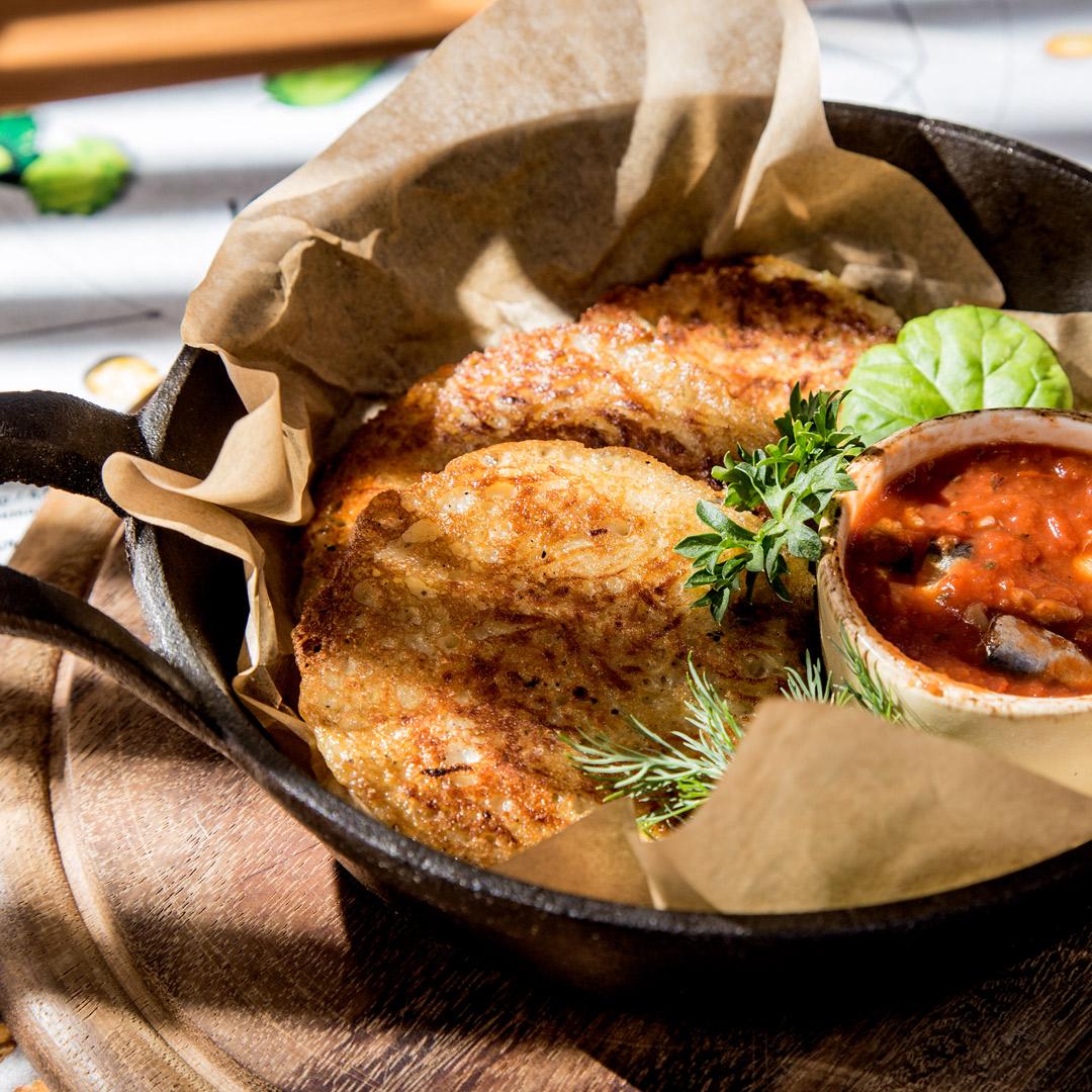 Крести с килькой в томатном соусе